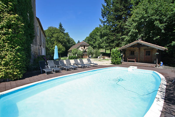 Castle in the Dordogne for rent. Private heated pool and sauna. For nature lovers with kids.