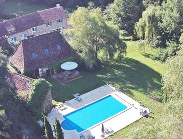 Moulin de Coutille. Self catering water mill with separate guesthouse Dordogne