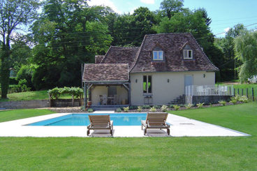 charming self-catering house with large heated pool and playing area