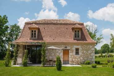 Luxurious and charming holiday home close to Bergerac Airport