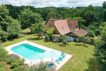 Charming holiday home with private pool and lovely garden Dordogne.